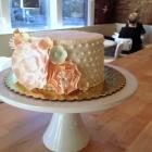 Wedding cake-dots